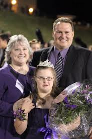 Teen with Downs Syndrome Crowned Homecoming Queen (1-Minute Moving Video)