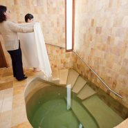 A Mikveh's Lady's Extraordinary Act of Kindness